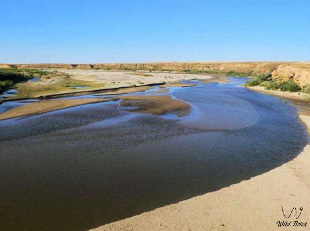 Эмба река в Актюбинской области, Казахстан.