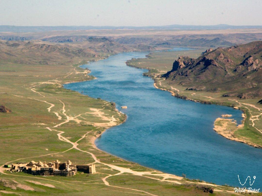 Ili river in Kazakhsatn republic and China.