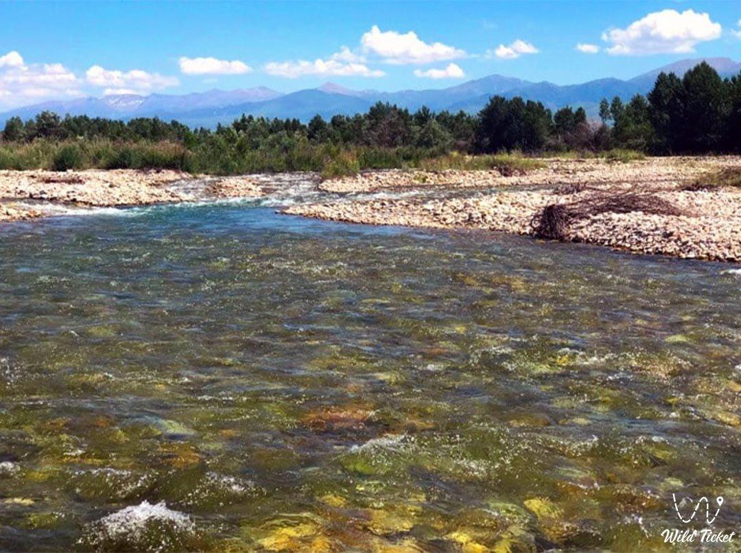Каратал река в Алматинской области, Казахстан.
