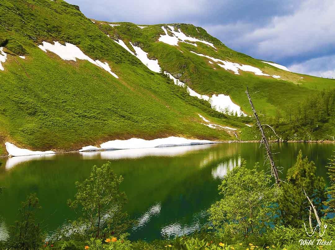Маралье озеро (Чабан бай), Восточно-Казахстанская область, Казахстан.