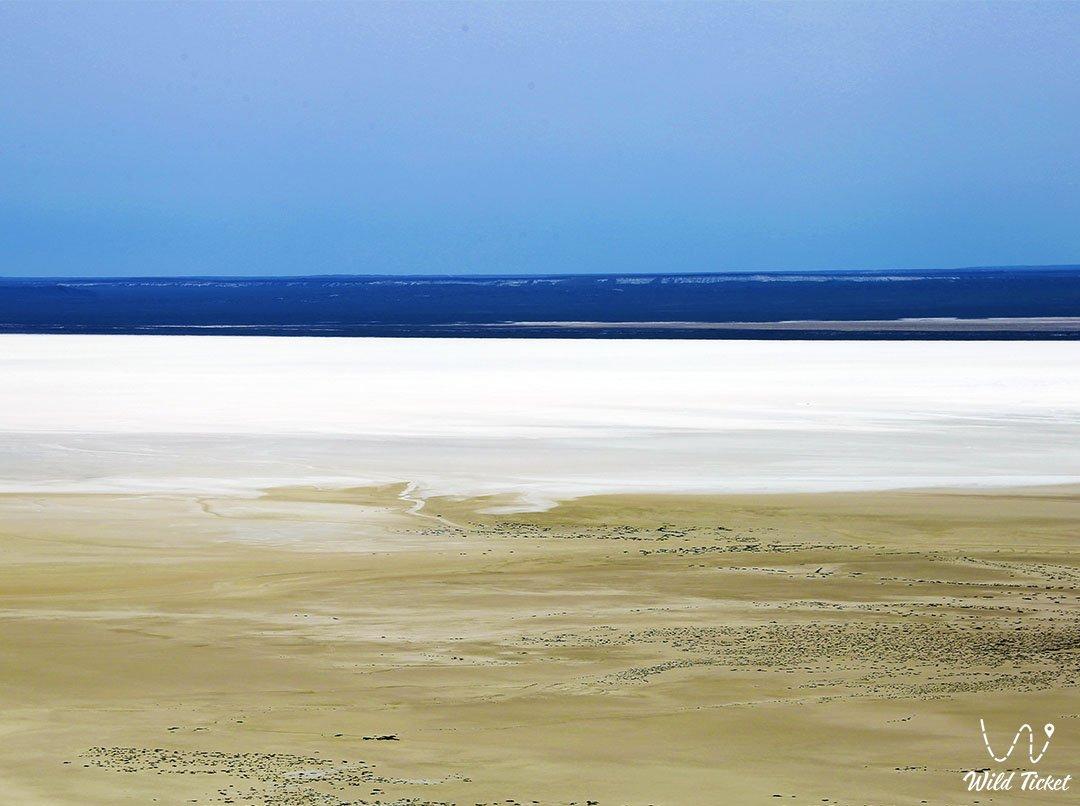 Озеро Карашек на Босжире, Мангистауская область, Казахстан.