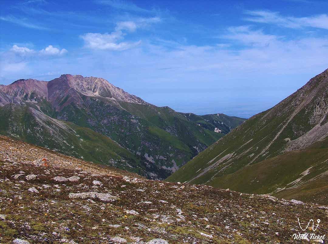 Dzhusaly-Kezen, mountain pass.
