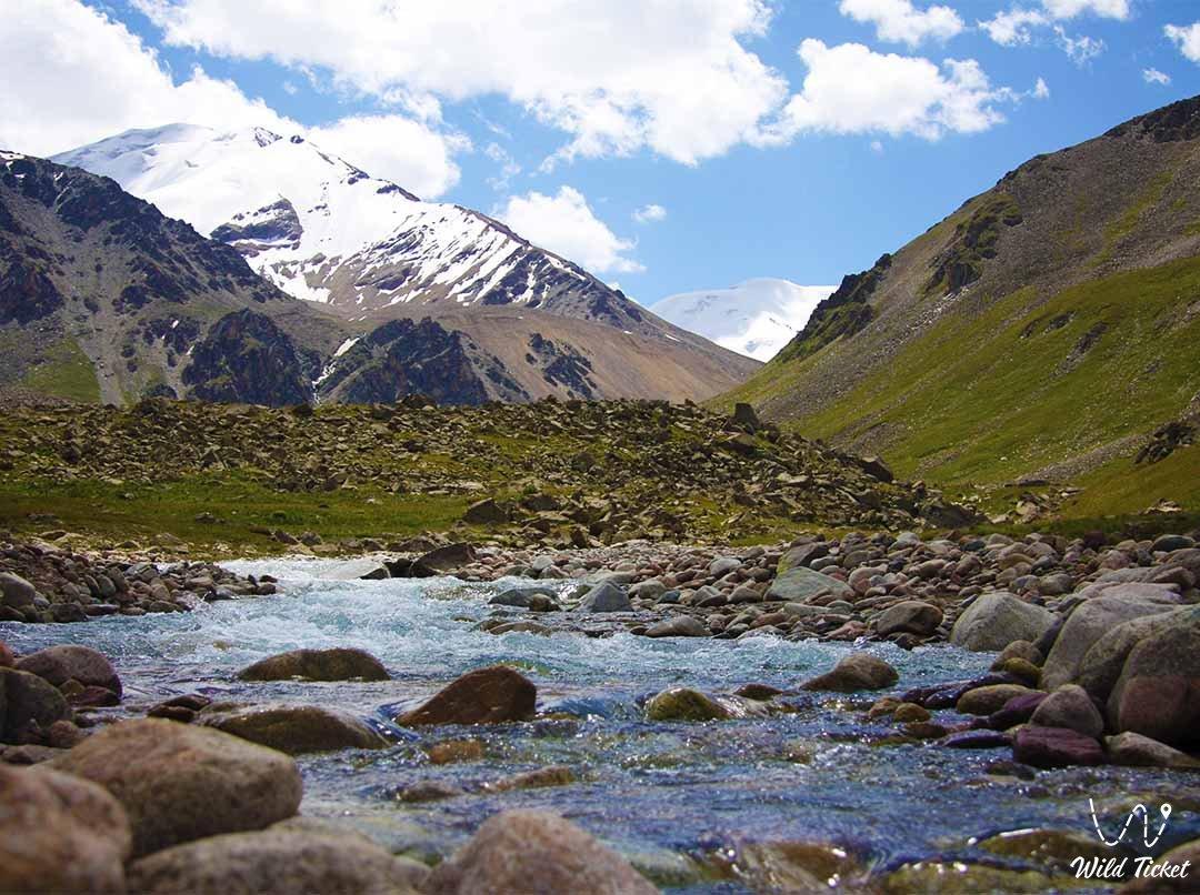 Ozerny pass (Lake pass) behind the Big Almaty Lake
