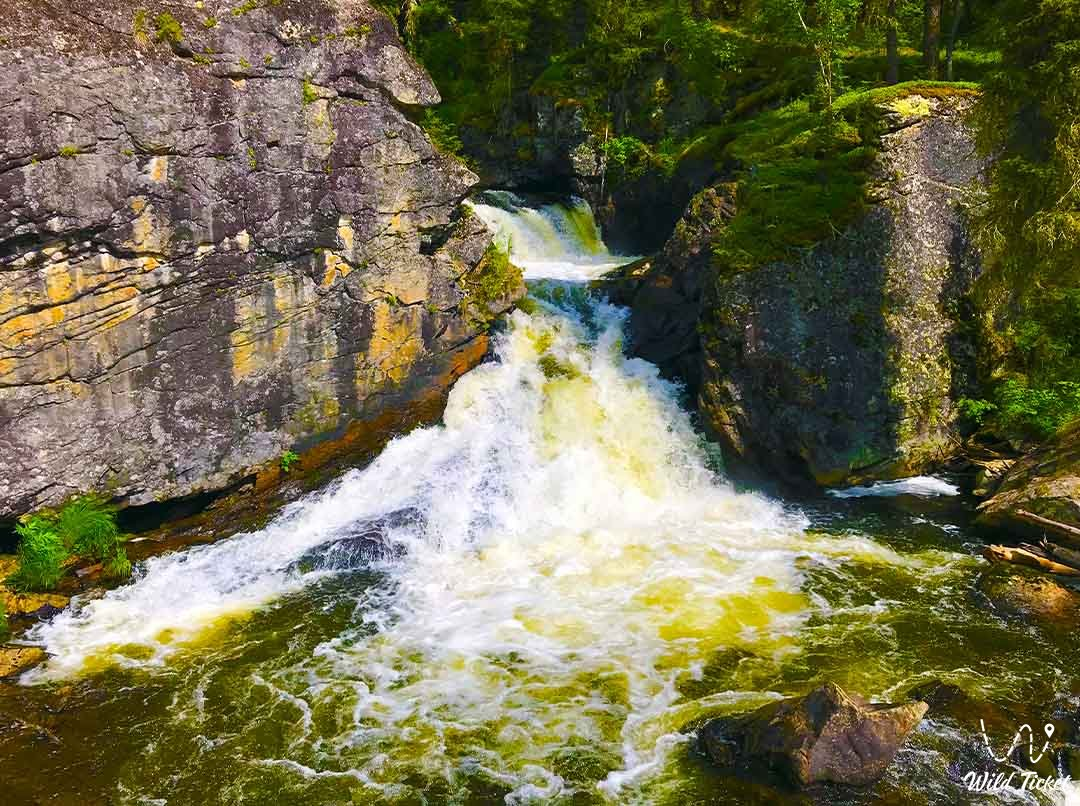 Yazevy waterfall.