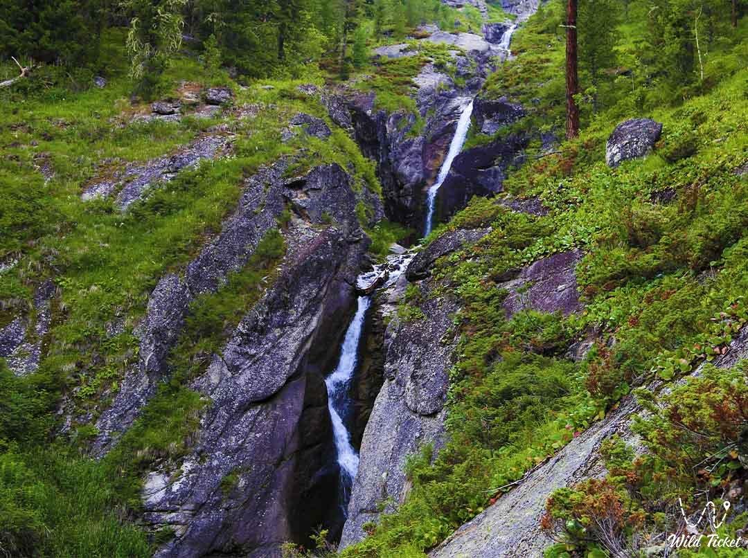 Rakhmanovskiy waterfall.